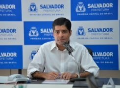ACM Neto anuncia decreto que fecha salões de bares e restaurantes em Salvador