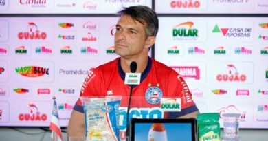 Preparador de goleiros do Bahia afirma que Anderson deve continuar como titular