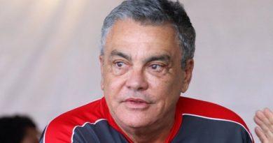 Paulo Carneiro diz que Vitória vai mandar jogos com torcida 'assim que autorizarem'